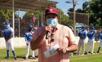 Supervisa Eliazar Gutiérrez obra de mejoramiento del estadio de béisbol de Los Ángeles